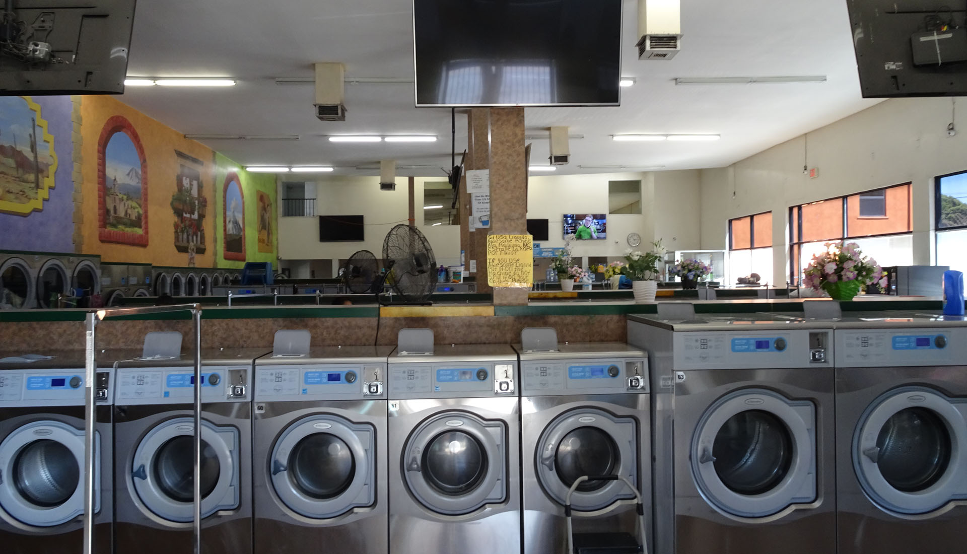 Ehem Kirche heute Coin Laundry