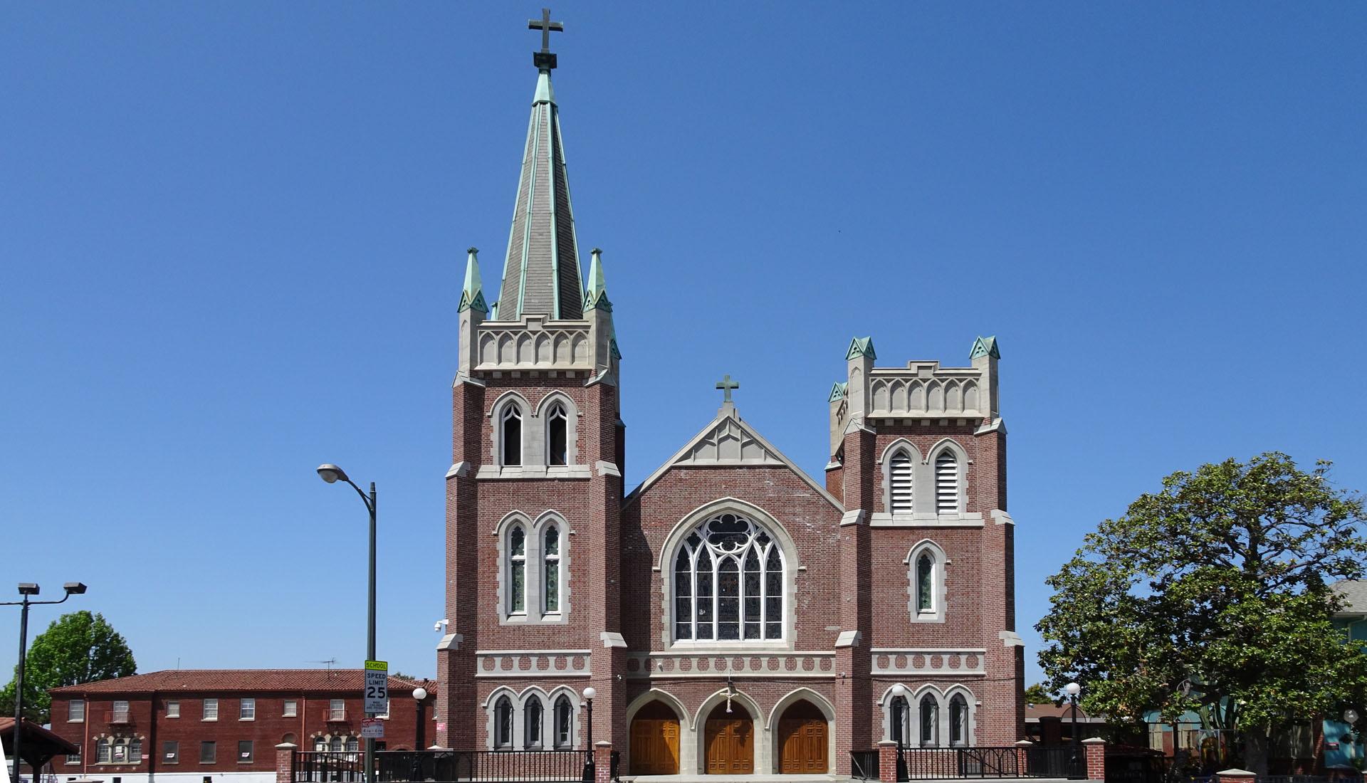 Holy Cross Catholic Church_03