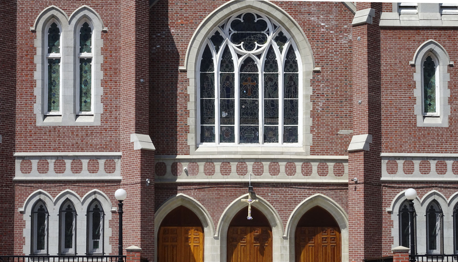 Holy Cross Catholic Church_04